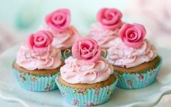 Торты с капкейками и мини пирожными # 9