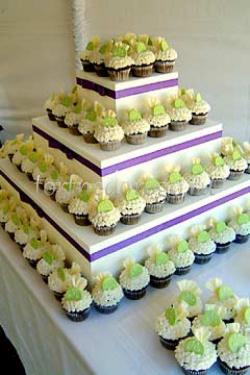 Торты с капкейками и мини пирожными # 17