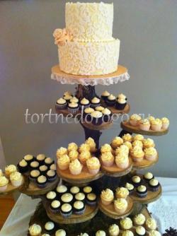 Торты с капкейками и мини пирожными # 26