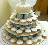 Торты с капкейками и мини пирожными # 25