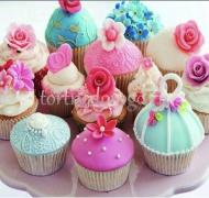 Торты с капкейками и мини пирожными # 29