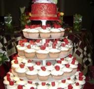 Торты с капкейками и мини пирожными # 14