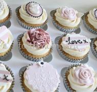 Торты с капкейками и мини пирожными # 16