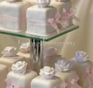 Торты с капкейками и мини пирожными # 18