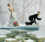 Прикольные торты на свадьбу # 8