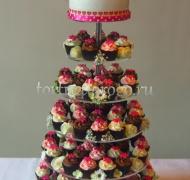Торты с капкейками и мини пирожными # 7