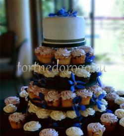 Торты с капкейками и мини пирожными # 4